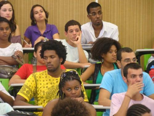 estudantes negros universidades