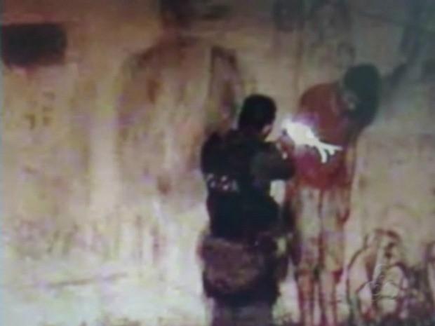 pm filmado atirando adolescente