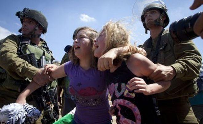 menina palestina mãe israel soldado