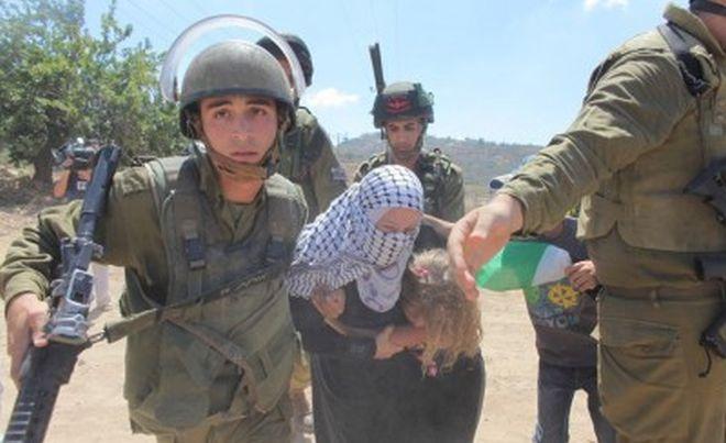 menina palestina mãe israel