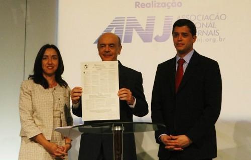 Em plena campanha eleitoral de 2010, Judith Brito (esq.), do Instituto Millenium, chegou a afirmar que cabia à imprensa fazer oposição ao governo federal.