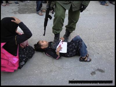 soldado-israel-crianca-palestina