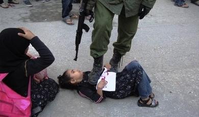 soldado israelense criança palestina