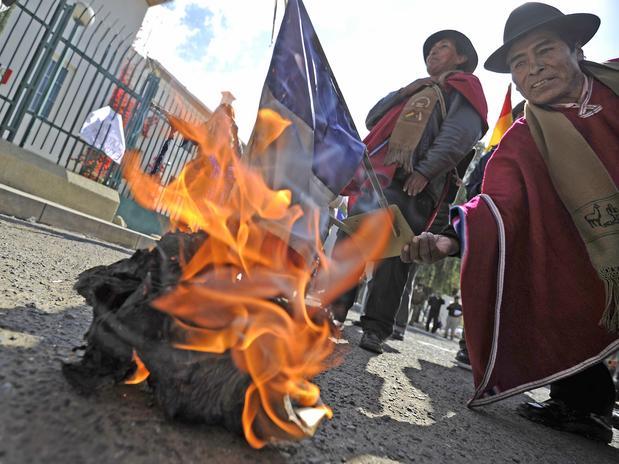 bolivianos morales frança bolívia avião