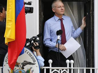 embaixada equador londres assange microfone