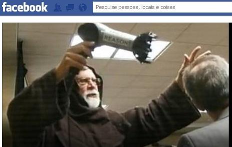 visita-papa-ateus-facebook