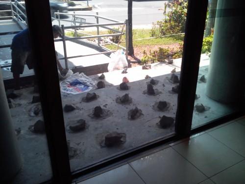 bradesco calçada pedras