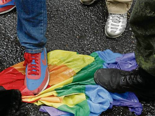 bandeira gay homofobia kuwait