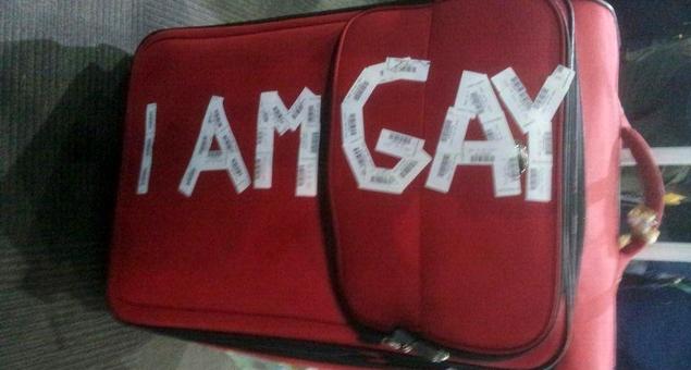 jetstar mala eu sou gay