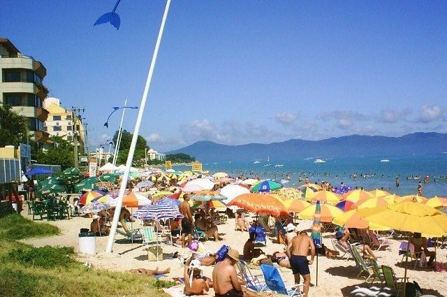Praia da Canasvieiras mendigo florianópolis