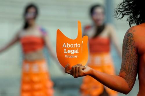 legalização aborto uruguai