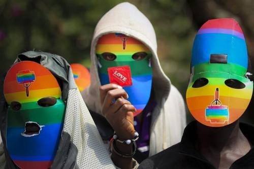 uganda homofobia homossexuais gays minissaia