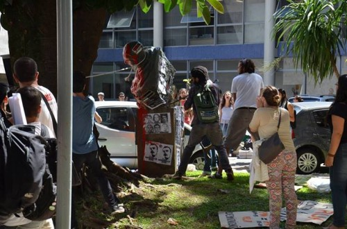 foto-ufpt-estatua