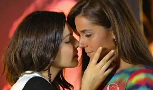 novela em família lésbicas beijo