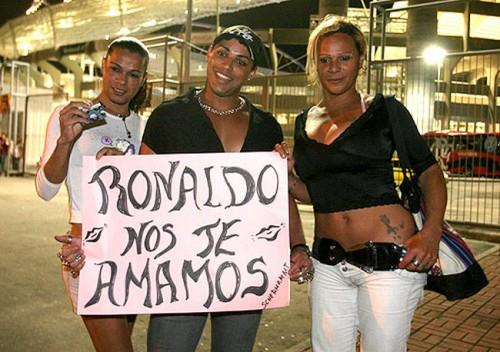 travestis ronaldo engenhão corinthians