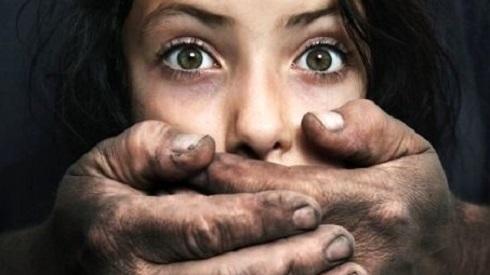 mulher estupro bancada evangélica
