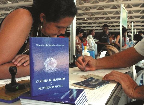 emprego desemprego brasil