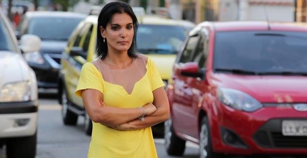 agente trânsito Luciana Tamburini