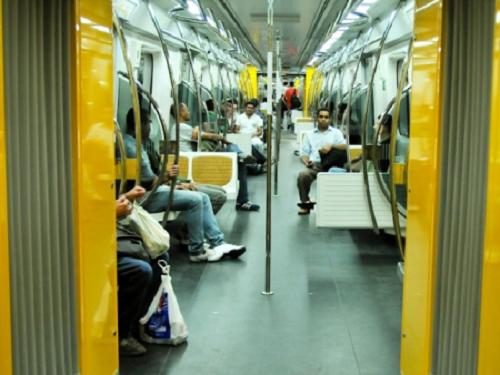 casal gay homofobia metrô sp
