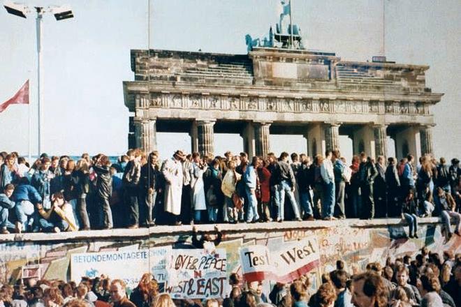 muro de berlim dia seguinte