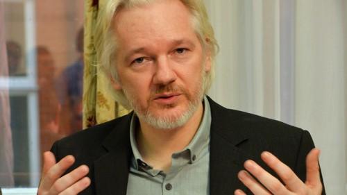assange wikileaks google vaticano