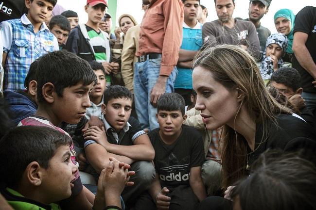 angelina jolie campo refugiados síria iraque