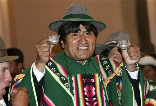 evo morales carisma indígena