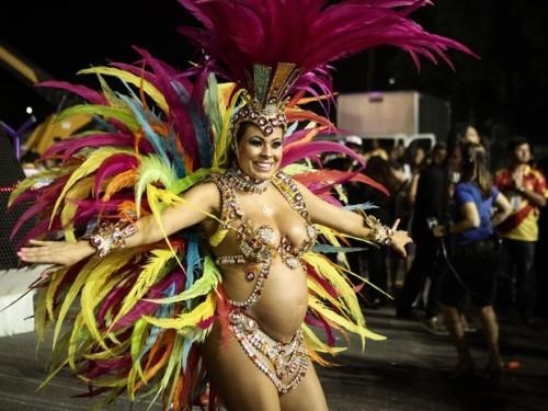 grávida fabiana vilela samba desfila