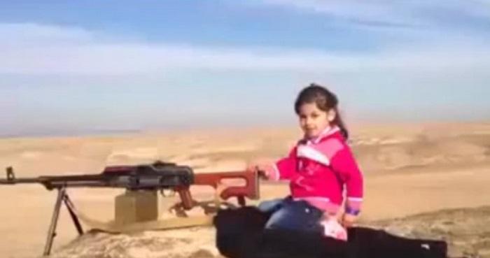 menina metralhadora curdos estado islâmico