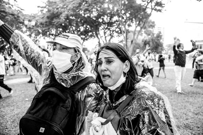 paraná chamas curitiba professores massacre