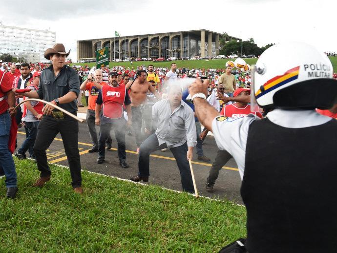 terceirização brasília confronto