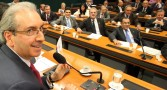 Blocão faz desagravo a Cunha e quer votar hoje investigação da Petrobras