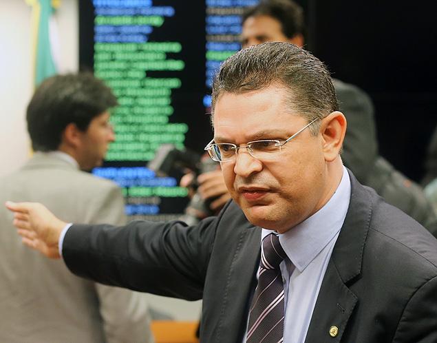 ex-gay bolsa cura Sóstenes Cavalcante
