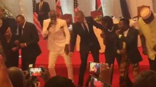 obama dança quênia