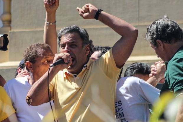 Aécio Neves manifestação dilma presidente