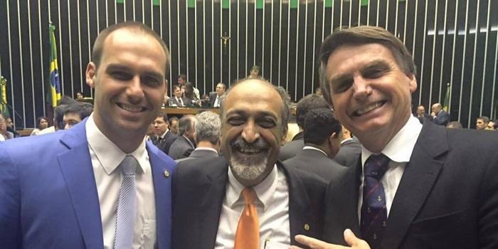 Ezequiel Teixeira cura gay Bolsonaro