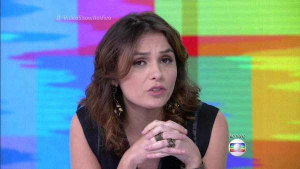 Monica Iozzi Folha mídia