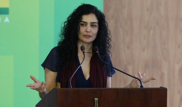 Letícia Sabatella impeachment Facebook