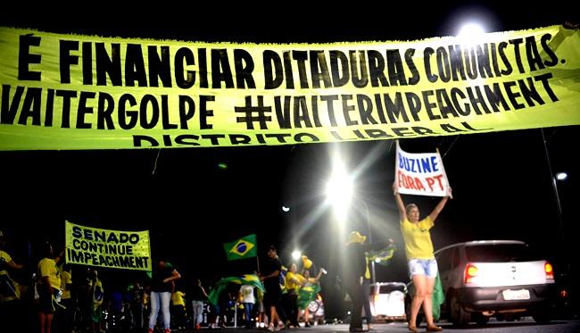 el pais denuncia golpe impeachment dilma democracia