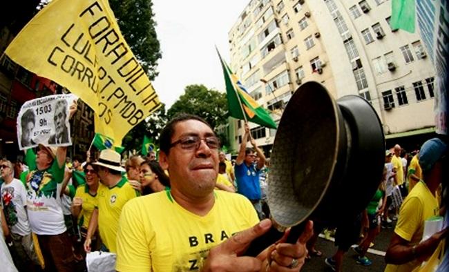 direita manifestação panelas corrupção ódio pt