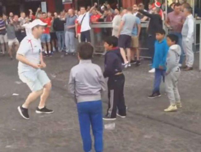 torcedores ingleses crianças ciganas