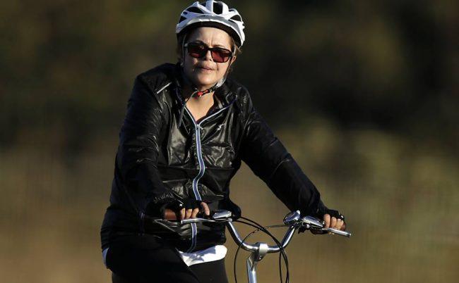 dilma pedalada bicicleta mpf