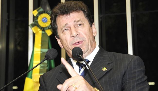 senador preso stf vota favor impeachment dilma