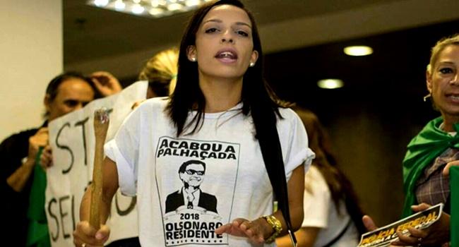 Kelly Bolsonaro beneficiária bolsa família