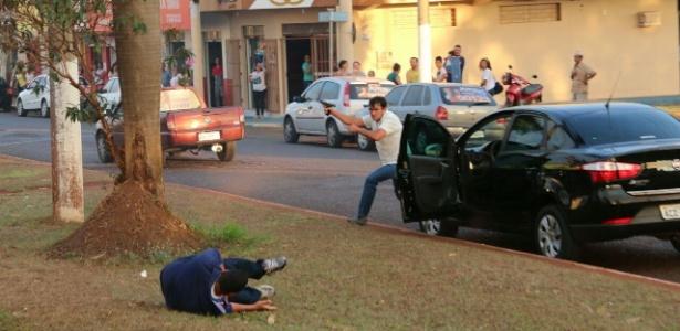 prefeito Itumbiara vídeo atirador tiros disparos