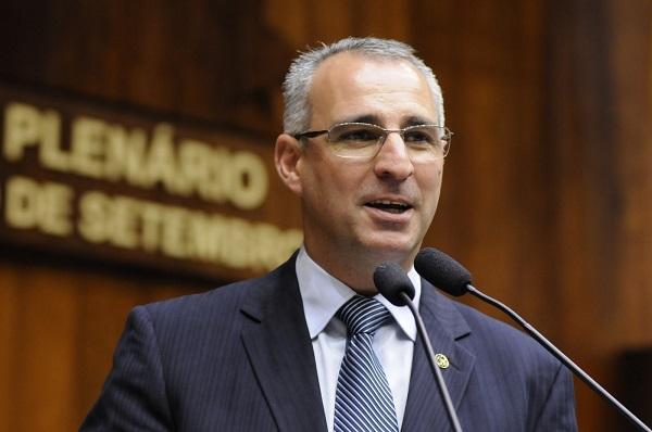 candidato PSDB cola super bonder