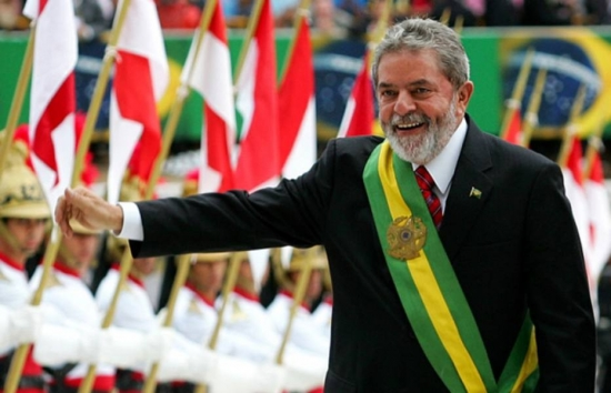 Lula folha perseguição acusação artigo