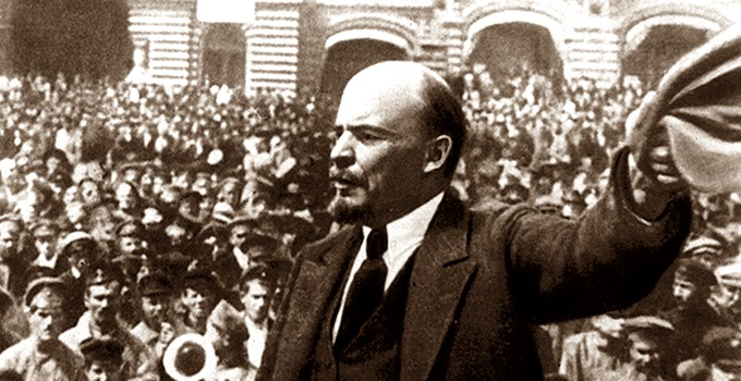 lenin momento esquerda direita capitalismo bem estar