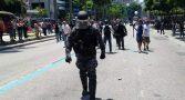 policial-abandona-manifestacao