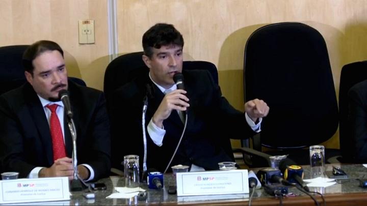 Cássio Conserino promotores Lula